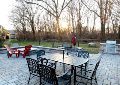 Outdoor space with quality barbeque grill and numerous comfortable seating options for Pointe North apartment residents
